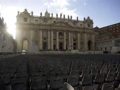 Chairs are in place in Saint Peter's Square at the Vatican, one day before Pope Francis' inaugural mass March 18, 2013. Foto: Paul Hanna / Reuters