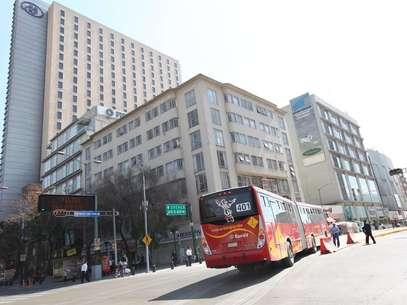 La única ruta del Metrobús que no subió su tarifa es la que va al AICM, que mantendrá su cobro de 30 pesos. Foto: Archivo / Notimex