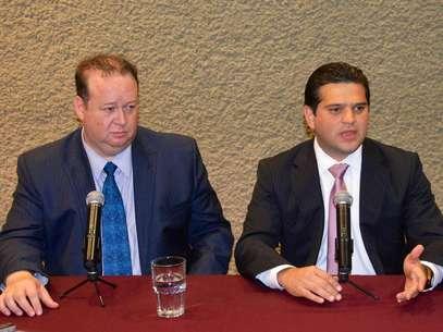 Luis David Ortiz y Francisco Cienfuegos presentaron la nueva ley que protegerá a los funcionarios de actos de extorsión en su contra Foto: Jonathan Tapia / Terra