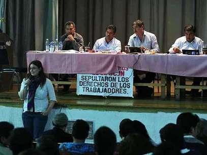 Los asistentes del Primer Encuentro Nacional Magisterial demandaron diálogo con el Presidente Enrique Peña Nieto. Foto: Reforma