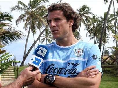 El futbolista uruguayo Diego Forlán adelanta su boda para el 11 de diciembre Foto: Agencia EFE / © EFE 2013. Está expresamente prohibida la redistribución y la redifusión de todo o parte de los contenidos de los servicios de Efe, sin previo y expreso consentimiento de la Agencia EFE S.A.