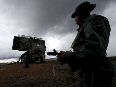 El gobierno venezolano advirtió que la custodia de los aires continua en altos niveles en todo el territorio nacional. Foto: AFP