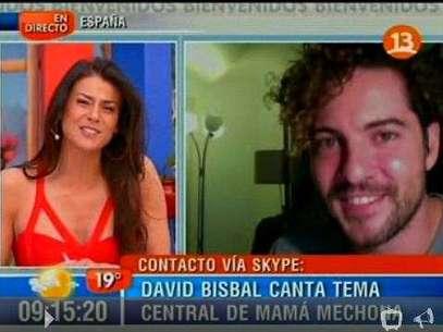 "El español aseguró estan honrado por poder cantar ""Mamma ojos mágicos"". Foto: Gentileza Canal 13"