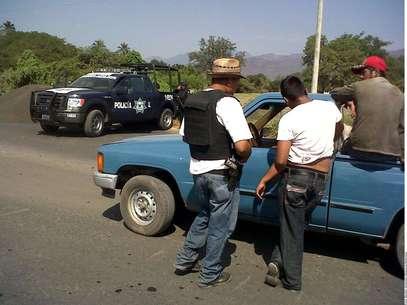 Magaña Pantoja fue uno de los 14 detenidos ayer, tras la entrada de las autodefensas a la ciudad de Apatzingán. Foto: Agencia Reforma