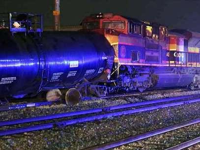 Vagón termina su loca carrera estrellándose contra locomotora, dejando sin vida a un maquinista Foto: Reforma
