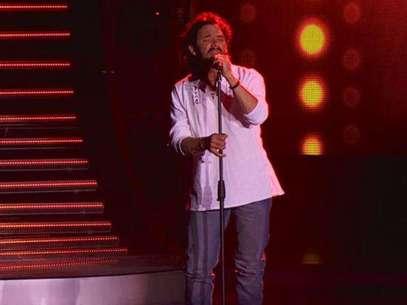 Ricardo Arjona trabaja cantando en buses de servicio público. Foto: Tomada de CaracolTV.com