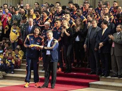 ... la selección colombiana de fútbol, que viajó a Argentina para jugar