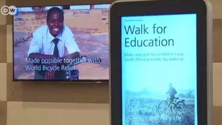 Davos: pedômetro transforma passos em doação de bicicletas Video:
