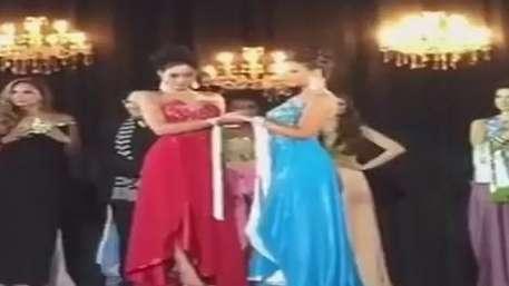 Barraco! Vice arranca coroa de Miss Amazonas 2015  Video:
