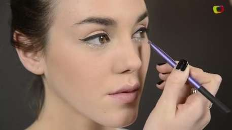 Look impactante: Delineador de ojos con glitter  Video: