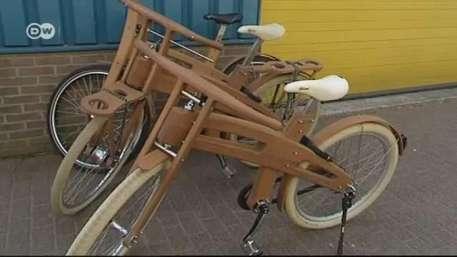 Sobre el sillín: La bicicleta como objeto de diseño Video: