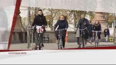 El placer de pedalear: bicicletas muy especiales Video: