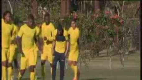 Ecuador entrena en LA para partido contra México Video: