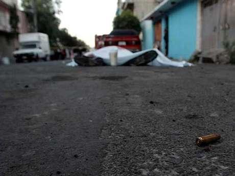 Asesinatos en Neza. Foto: Reforma/Luis Alberto Vargas / Terra Networks México S.A. de C.V.