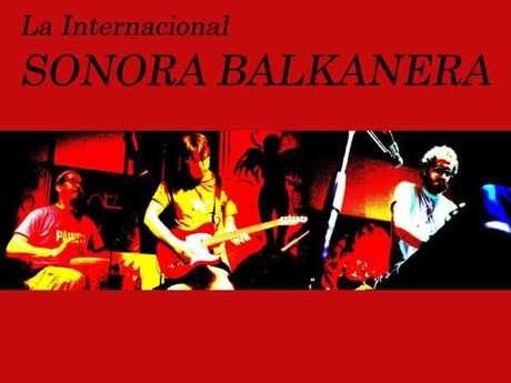 La Internacional Sonora Balkanera. Foto: Terra Networks México S.A. de C.V.