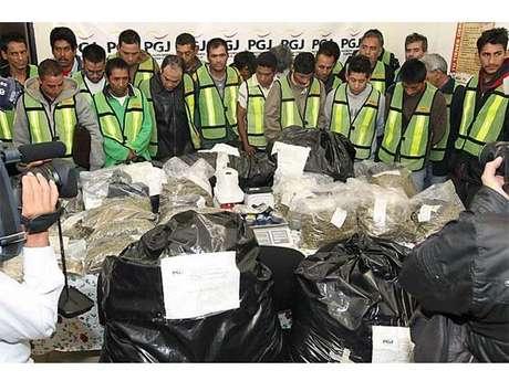 Presenta PGJDF a los 22 detenidos por droga. Foto: Reforma/Alberto Neri / Terra Networks México S.A. de C.V.