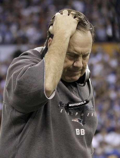El entrenador de los Patriots de Nueva Inglaterra, Bill Belichick. Los Gigantes ganaron 21-17 luego de una polémica estrategia que Belichick detalló tras perder el Super Bowl XLVI.  Foto: Mark Humphrey / AP
