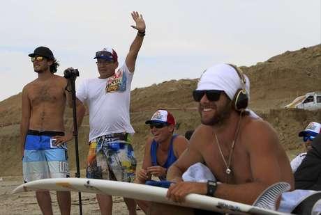 Diez surfers peruanos entre los 11 y 15 años pasaron una semana intensiva de entrenamientos en las playas del norte. Foto: Red Bull