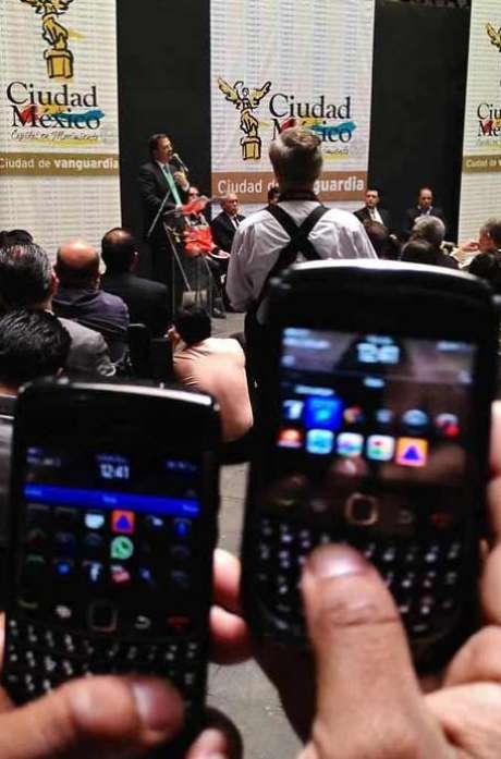 La aplicación tiene un icono similar al de Protección Civil. Foto: Manuel Durán / Reforma
