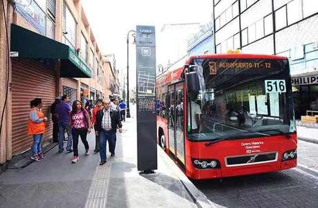 El servicio del Metrobús será gatuito para personas con discapacidades y menores de 5 años de edad. Foto: Reforma