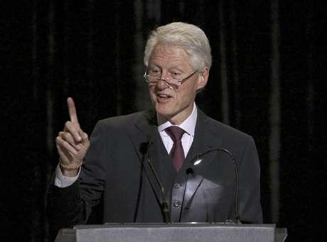 El expresidente Bill Clinton fue una de las primeras víctimas de la inmediatez de la red, cuando su escándalo con Monica Lewinsky le dio la vuelta al mundo. Hoy en día es uno de los políticos más prestigiosos y respetados de la política mundial. Foto: Charles Rex Arbogast / AP