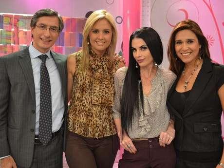 Jessica Tapia y sus compañeros de América TV, Federico Salazar, Verónica Linares y Fiorella Rodríguez. Foto: América TV