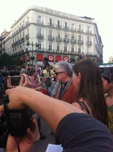 Almodóvar en la Puerta del Sol (Twitter) Foto: Telefónica de España, SAU