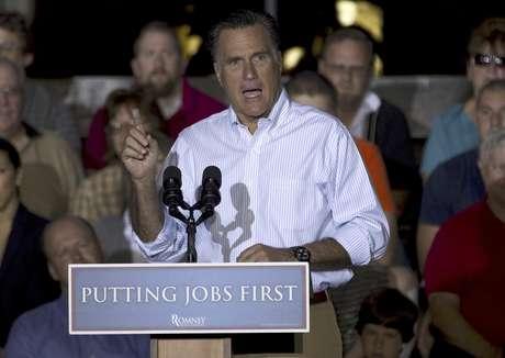 El candidato presidencial republicano Mitt Romney en un mitin en Weatherly Casting Company, en Weatherly, Pensilvania, el 16 de junio del 2012.  Foto: Evan Vucci / AP