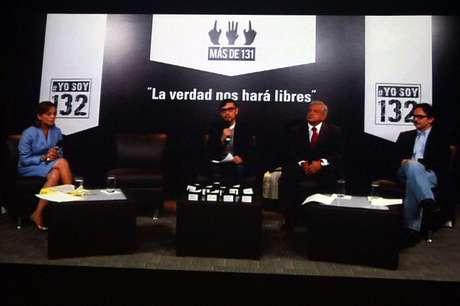 Los candidatos del PAN, PRD, y Nueva Alianza a la Presidencia de la República, durante el debate convocado por el movimiento #YoSoy132, en la sede de la CDHDF. Foto: Notimex