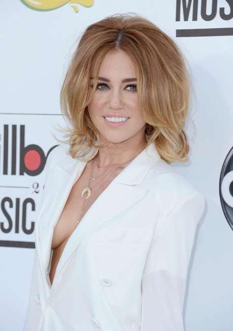 Miley Cyrus está feliz de estar comprometida. Foto: Getty Images
