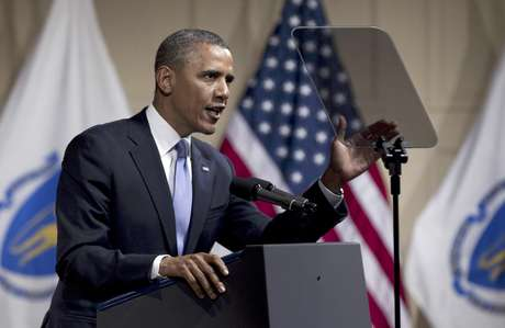 President Barack Obama speaks in Boston June 25. The President created a minor stir when he thanked the Boston Red Sox for trading longtime star Kevin Youkilis to Obama's hometown Chicago White Sox. Foto: Carolyn Kaster / AP