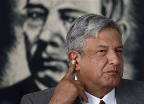 López Obrador presentará ante el IFE, su denuncia por irregularidades en las elecciones presidenciales mexicanas. Foto: AP