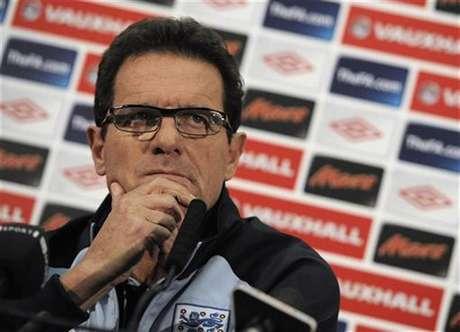 El entrenador italiano Fabio Capello dirigirá a la selección de fútbol de Rusia, anunció el lunes la federación de ese país. En la foto de archivo, Capello en una rueda de prensa en el estadio de Wembley cuando aun era técnico de Inglaterra. Nov 11, 2011. Foto: Nigel Roddis / Reuters en español