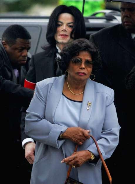 Katherine Jackson, madre de Michael Jackson, está con parientes en Arizona, dijeron las autoridades, el domingo 22 de julio de 2012. Foto: Marcio José Sánchez / AP