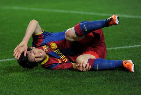 When Lionel Messi goes down, it hurts Barcelona's pockets. Foto: Getty Images