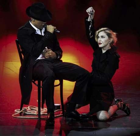 Madonna durante su concierto MDNA en el Olympia Hall de París Foto: Guy Oseary / AP