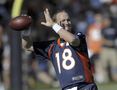 Peyton Manning continues to gain confidence prior to the NFL season.  Foto: Jack Dempsey / AP
