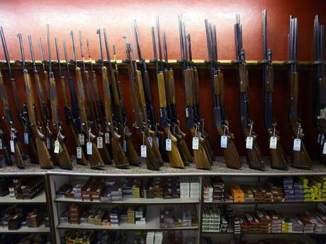 Venta de rifles en Aurora, Colorado. Foto: Getty Images