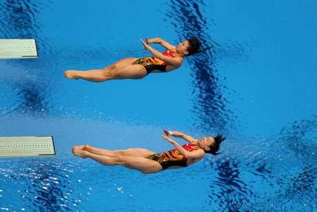 Las chinas Wu Minxia y He Zi ganaron la medalla de oro de la prueba femenina de trampolín de tres metros sincronizado este domingo en los Juegos de Londres-2012. Foto: Getty Images