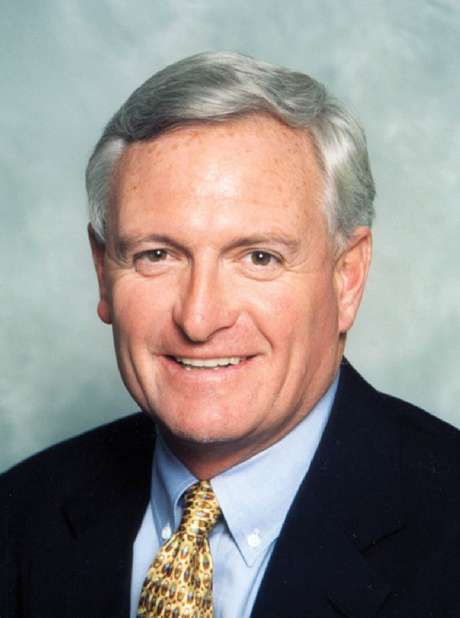 In this undated file photo provided by Pilot Travel Centers LLC, Chief Executive Officer Jimmy Haslam is shown. Cleveland Browns owner Randy Lerner has reached a deal to sell the team to Haslam III, according to multiple reports on Thursday, Aug. 2, 2012. ESPN and the NFL Network said Thursday that an agreement on the team sale had been reached. ESPN said the sale price was for more than $1 billion. Foto: AP in English
