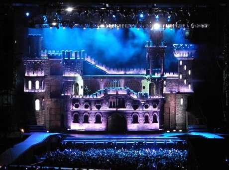 Así será el castillo que traerá Lady Gaga a Chile, el próximo 20 de noviembre Foto: Divulgación