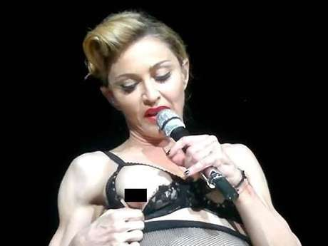 Elton John critica desnudos de Madonna sobre el escenario. Foto: Twitter