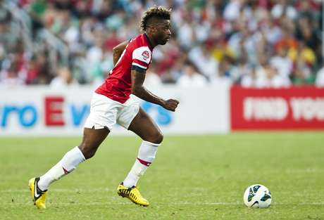 Alex Song is the second big transfer by the Spanish club for the coming season. Foto: AFP