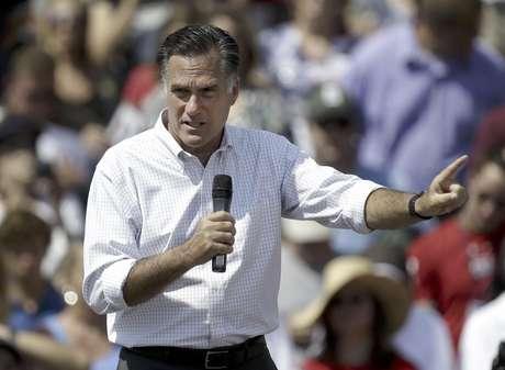 El virtual candidato presidencial republicano Mitt Romney pronuncia un discurso de campaña en Commerce, Michigan, el viernes 24 de agosto de 2012. Romney señaló a CBS News que estaría dispuesto a enviar soldados estadounidenses a Siria.  Foto: Paul Sancya / AP