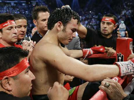 "Chavez Jr. lost his middleweight title to Sergio ""Maravilla"" Martinez.  Foto: AP"