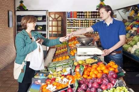 Los alimentos sin pesticidas son más saludables, pero también más caros. Foto: Getty Images
