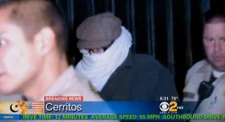 """En esta fotografía de archivo, tomada de un video el 15 de septiembre de 2012, y provista por la televisora CBS2-KCAL9, se ve a Nakoula Basseley Nakoula, el hombre detrás de la producción del video """"La Inocencia de los Musulmanes"""". Foto: CBS2-KCAL9, Archivo) MANDATORY CREDIT CBS-KCAL9, LOS ANGELES OUT, LOS ANGELES TV OU / AP"""