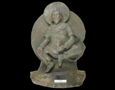 La estatua, de 24cm de altura, pesa 10 kg y se llama el Hombre de hierro. Foto: Difusión