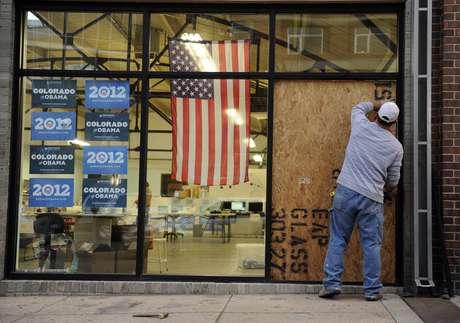 Durante el ataque había personas en el interior del lugar pero nadie resultó herido. Foto: AP