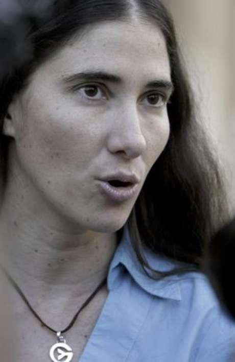 """Yoani Sánchez asegura que es improbable que alguien sepa efectivamente qué sucede con el mayor de los hermanos Castro: """"El que diga que tiene una fuente cercana, y que lo sabe de una fuente directa, le puedo asegurar que es falso, porque nadie está tan cerca para saber de Fidel, sentencia. Foto: AP"""